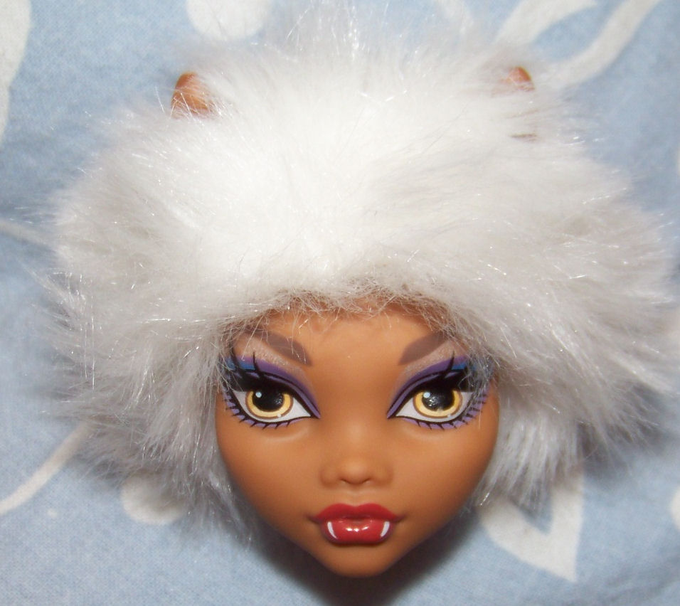 photo wig_clawdeen.jpg